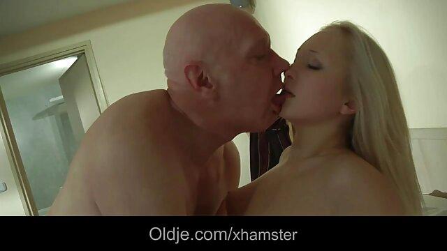 この大邸宅のホットタブ肛門成熟レズビアン乱交 女 の ため の セックス 動画