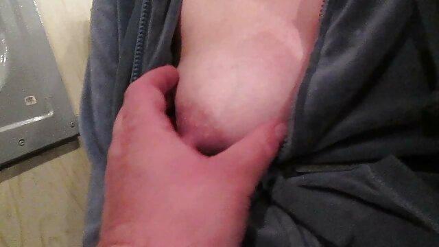 セクシーな乳首